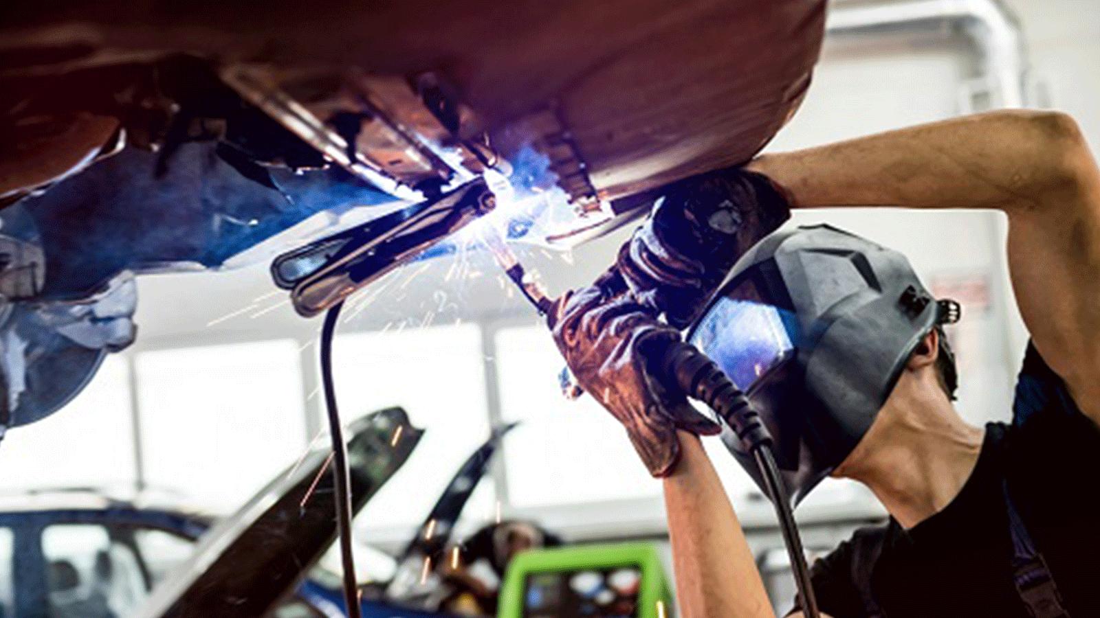 HAKA Autolackierzentrum Leistungen Karosseriearbeiten